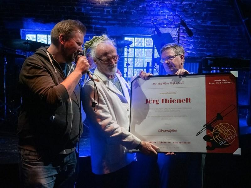 Auszeichnung Jörg Theinelt zum Ehrenmitglied des Red Horn District e.V. - 12-05-19 - Foto Hans Hartings